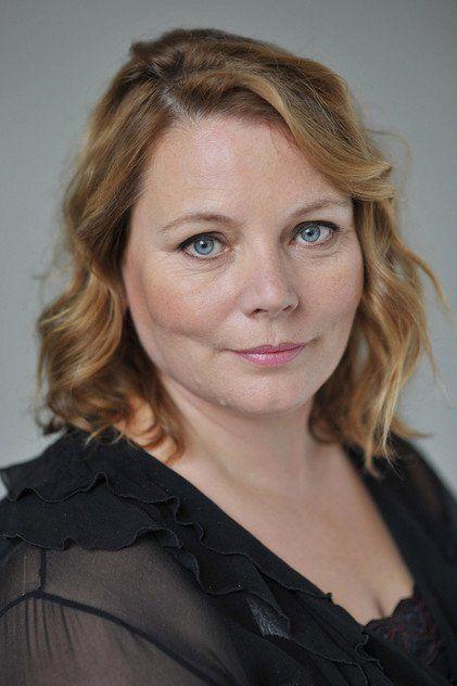 Joanna Scanlan