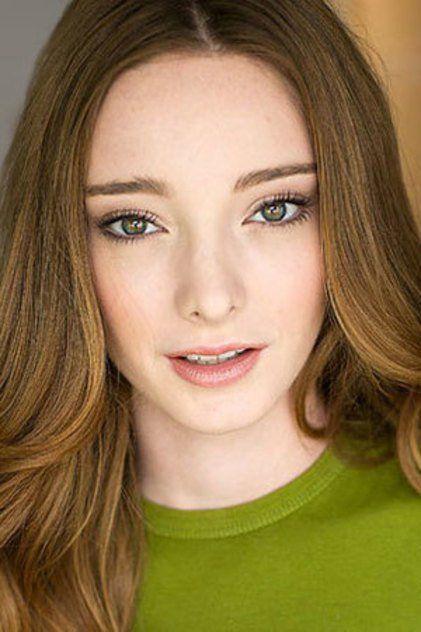 Emma Dumont